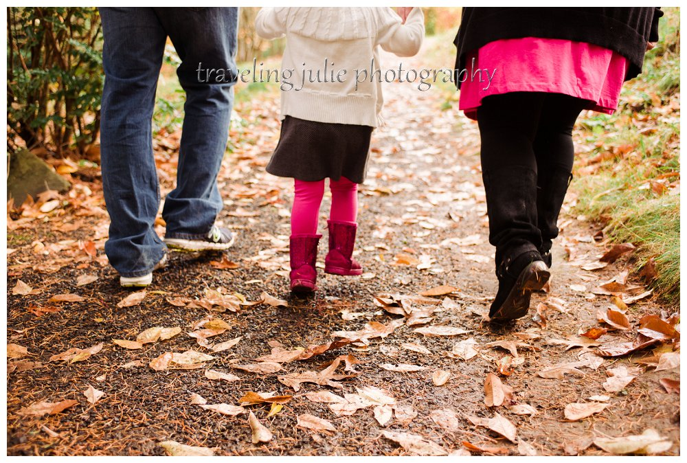 Hoyt Arboretum family walking